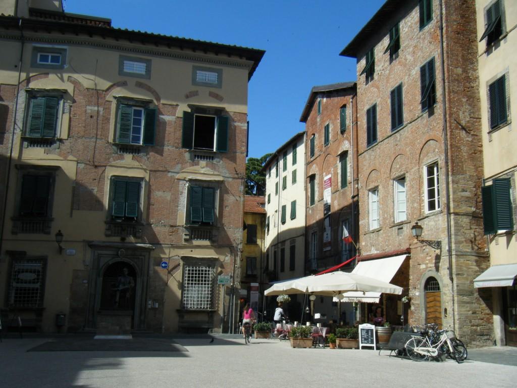 Ruelles Lucques Toscane