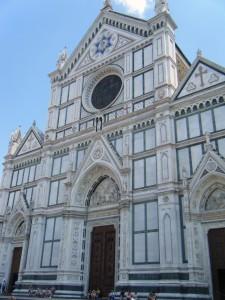 eglise santa croce 225x300 Le quartier de Santa Croce à Florence