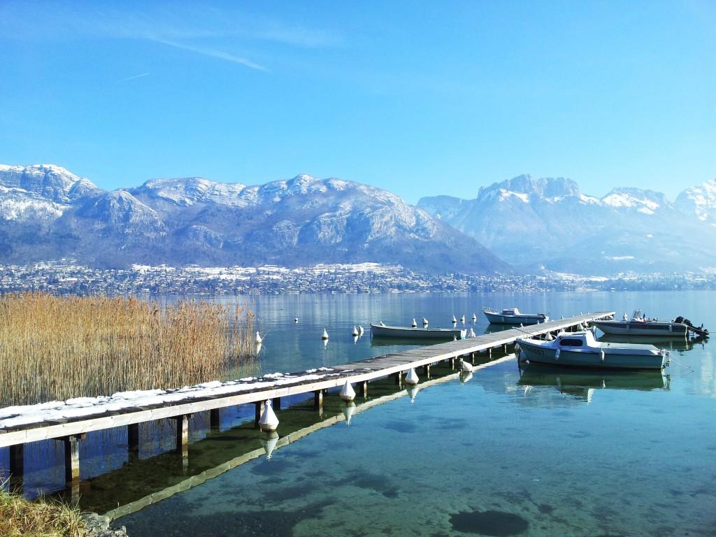 lac d'Annecy au mois de février